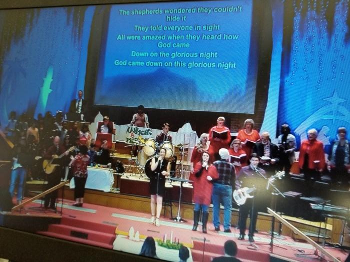 worship xmas.jpg